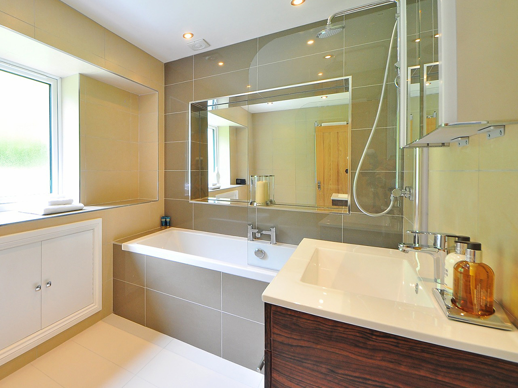 Vybíráme koupelnový nábytek do malých koupelen