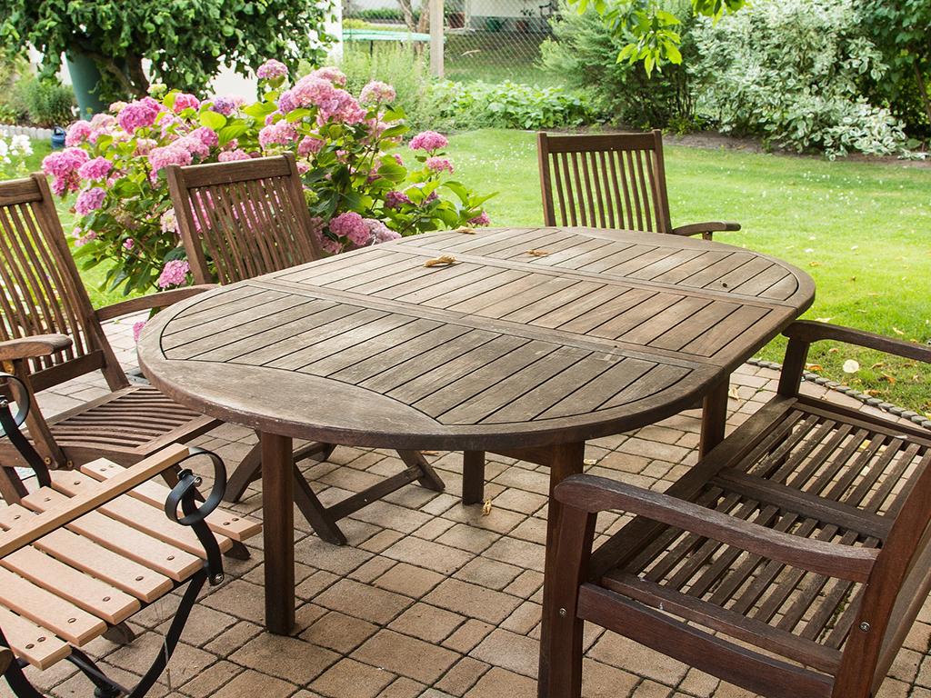 Vybavení do každé zahrady aneb jak vybrat zahradní nábytek